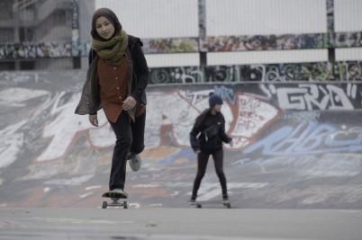 Fatima skates at Ursulines skatepark Belgium during the lockdown