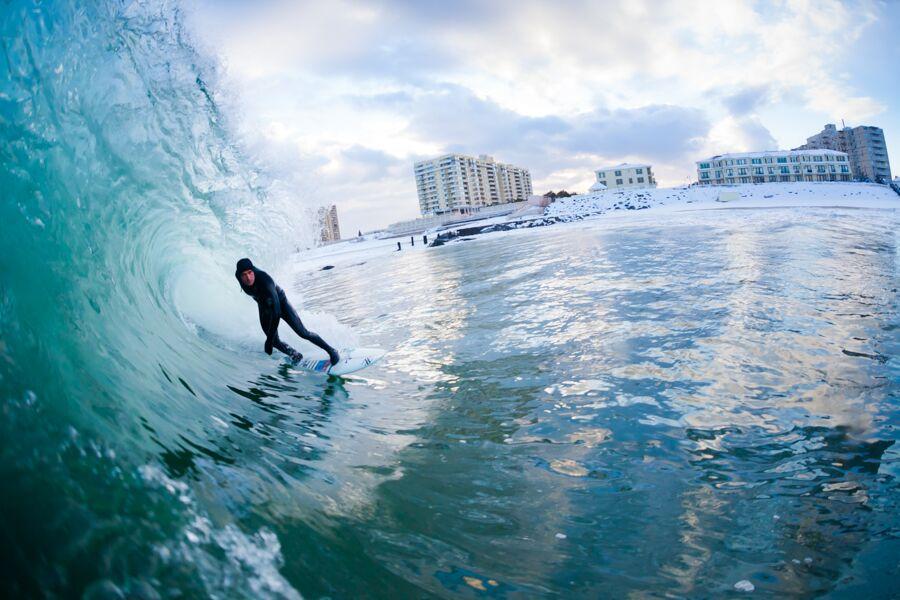 ryan-struck-surfing-snow-3