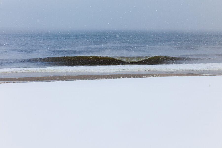 ryan-struck-surfing-snow-7