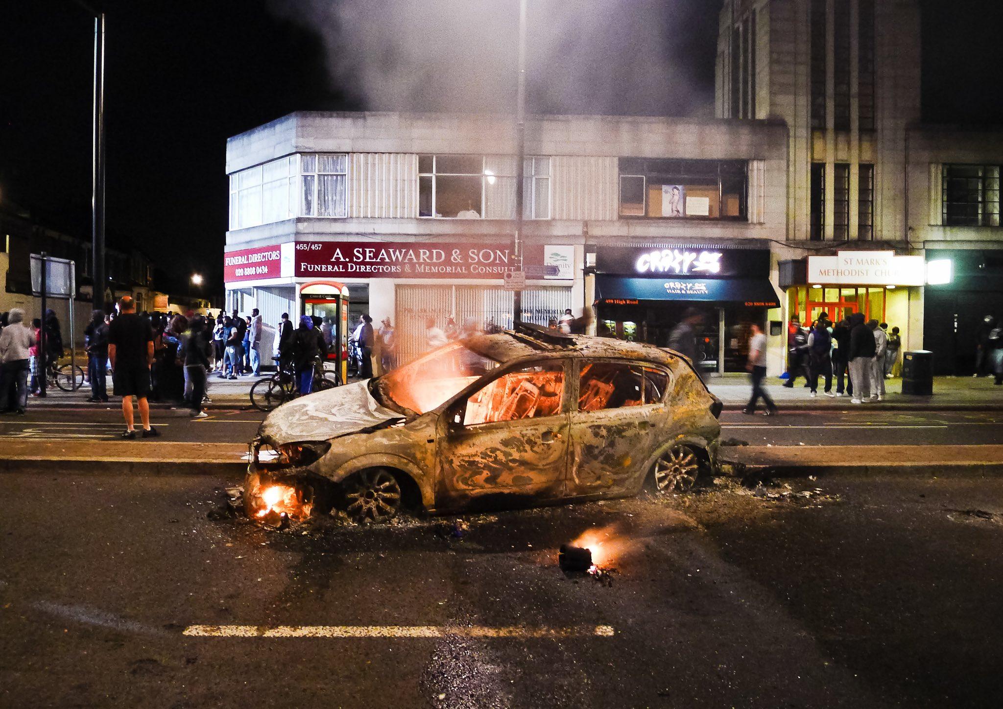 Tottenham riots police car