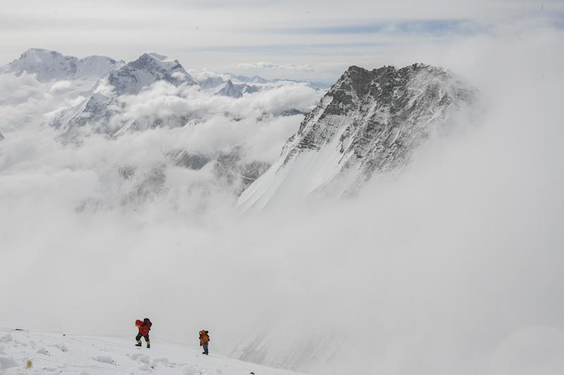 Sherpa_1_Climbing-Sherpa