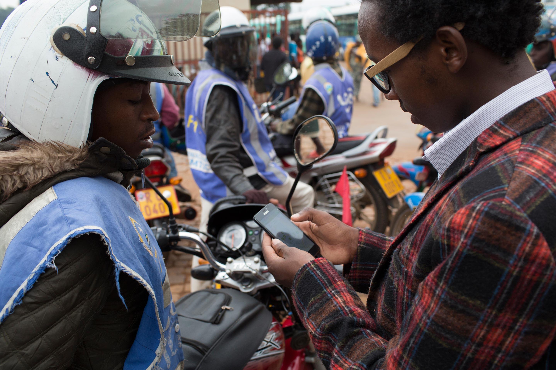 SafeMotos-Rwanda-Tom-Maguire-Huck-3