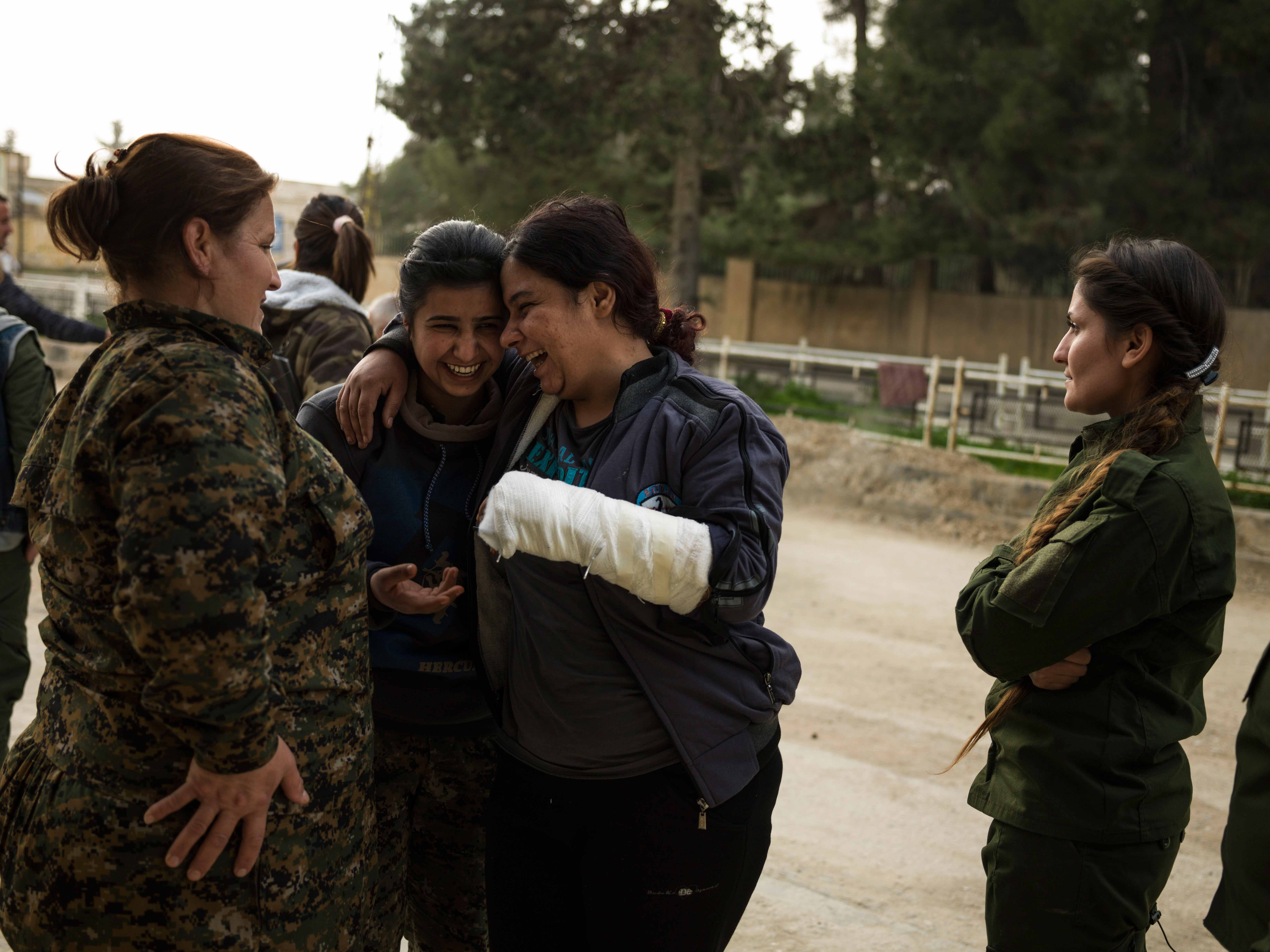 Wounded YPJ members leave the Asayesh all-women security base in Derek. © Newsha Tavakolian / Magnum Photos