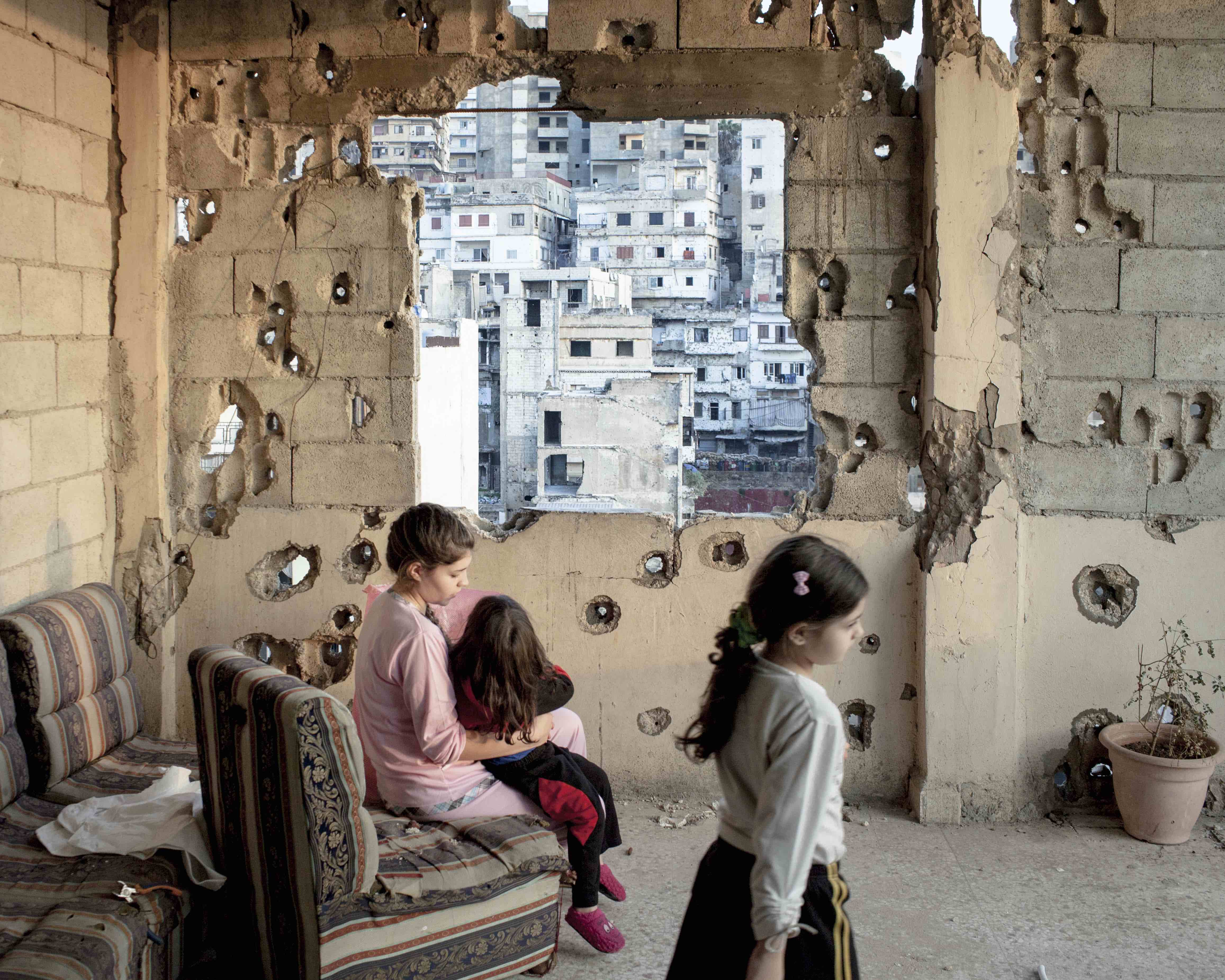 Lebanon. Tripoli. November 2013. Interior of an apartment on Syria Street destroyed by the fights, where the sectarian fights between Sunnis and Shiite are more violent © Lorenzo Meloni