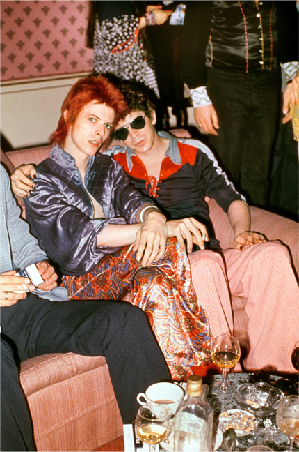 Bowie and Lou Reed, Dorchester Hotel, London, 1972, © Mick Rock / courtesy The Print Room