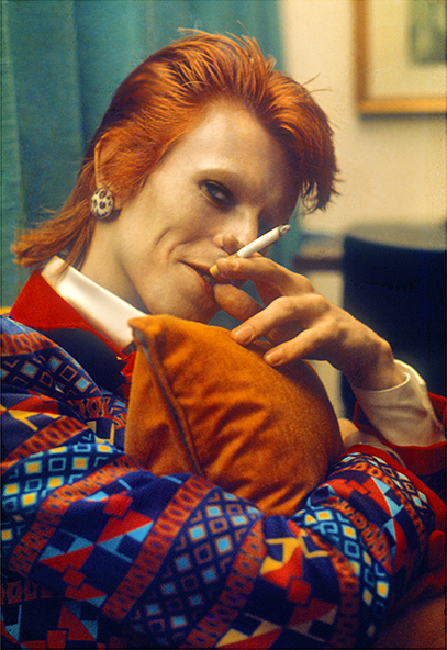 Bowie with cigarette, Queen 2 liner, UK, 1973, © Mick Rock / courtesy The Print Room