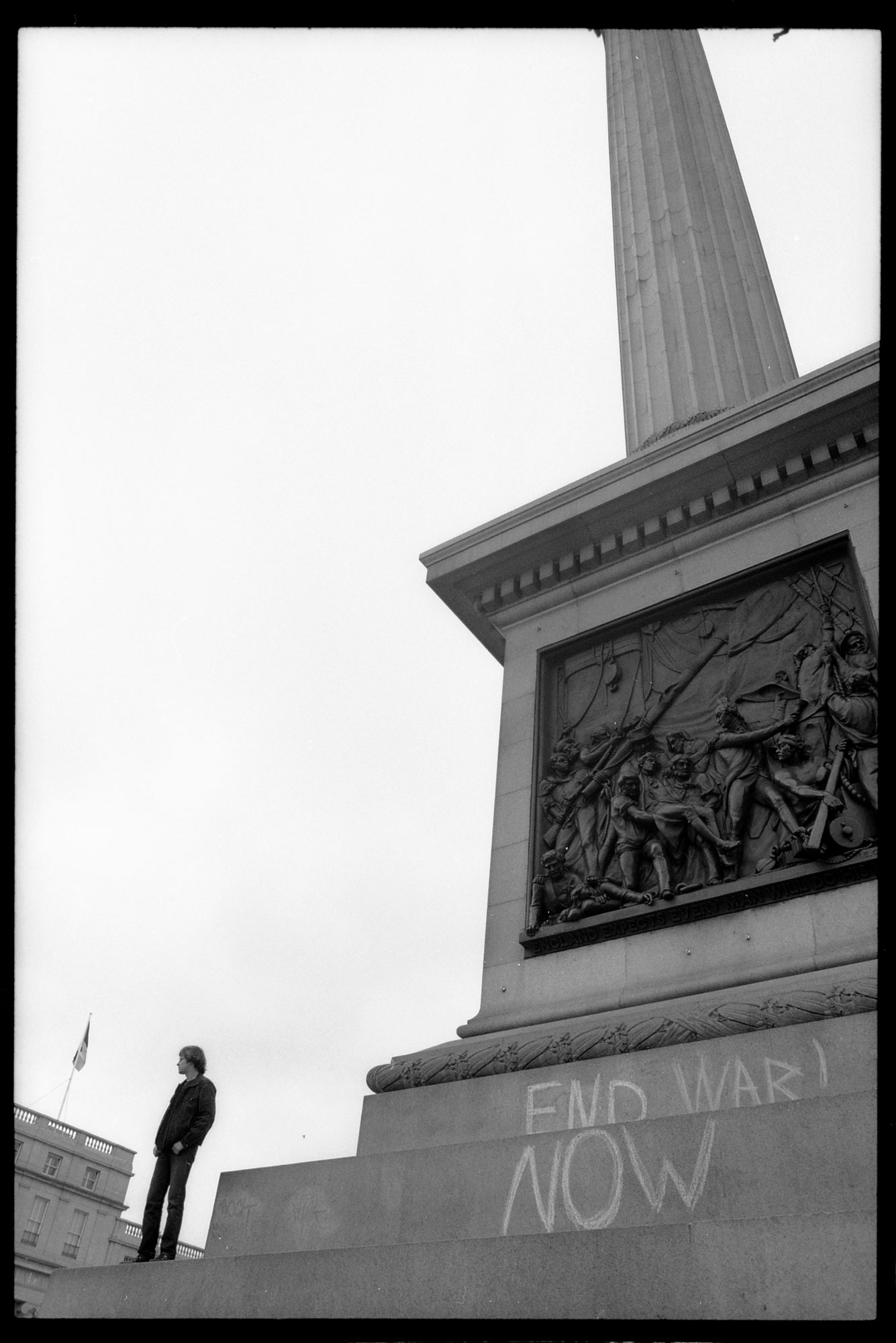 WEB_STW_end-war-now_nelsons-column_anti-war-demo-2003_dannyburrows