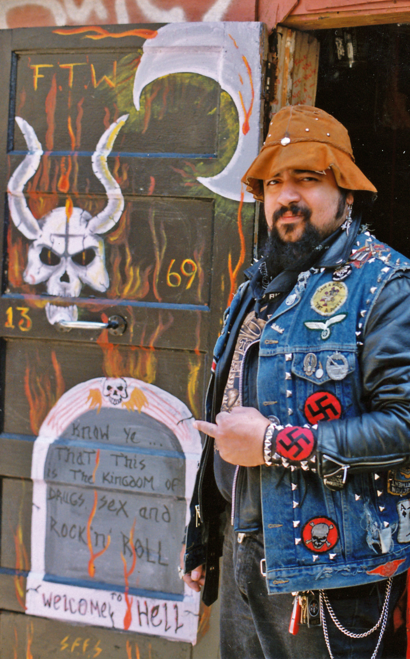Cochise in 1992, in front of Club House door he painted.