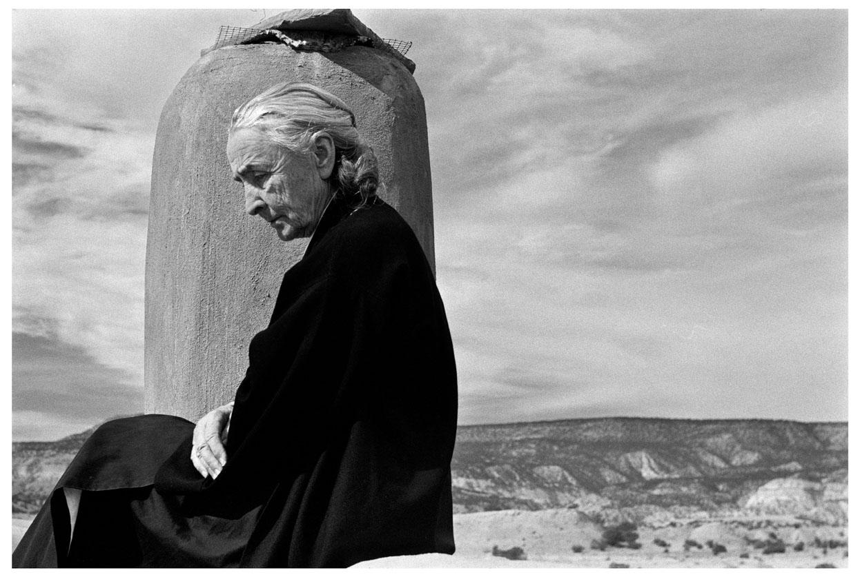 19_MBM_O'Keeffe on her Roof (c) 1967 John Loengard