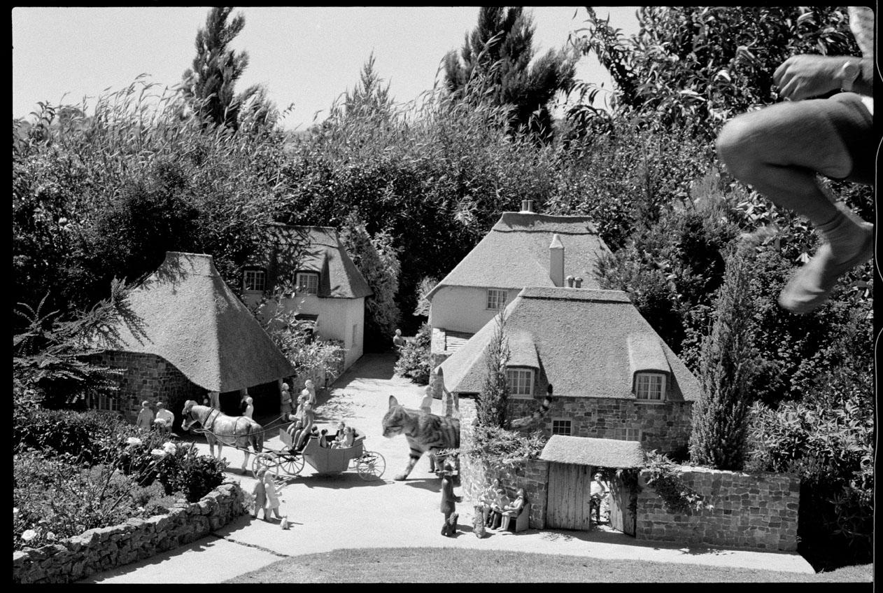 96_MBM_Miniature Village_(c) 1981 John Loengard