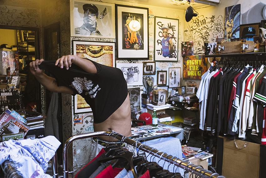012-swag-lab-milano-storico-negozio-milanese-di-abbigliamento-e-non-solo-legato-all-hip-hop_1_orig
