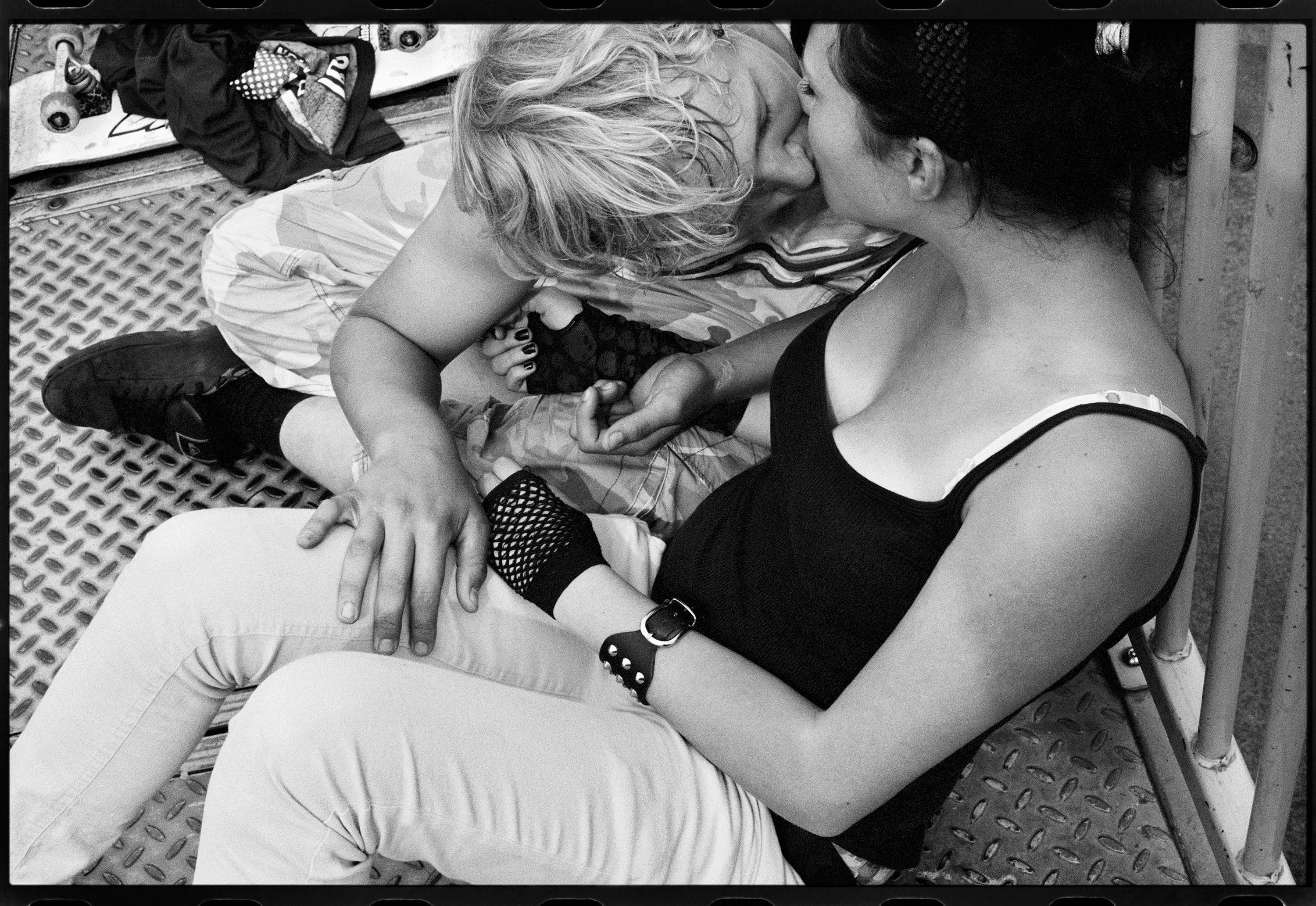 Ed_Templeton_Kissing_Children_UK
