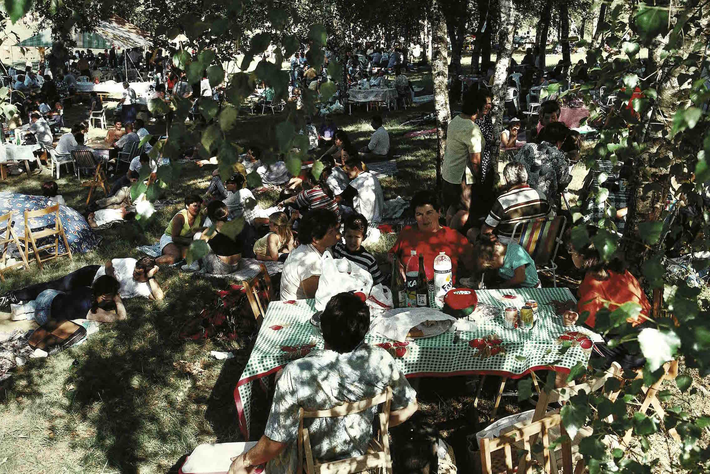 SPAIN. Extremadura. The Picnic, 1998. Photo by Harry Gruyaert.