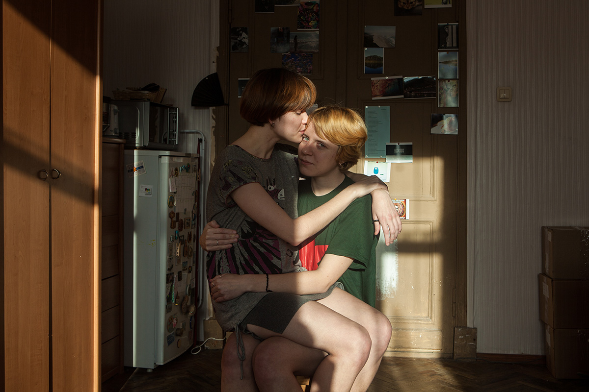 Polina_and_Tasya_002