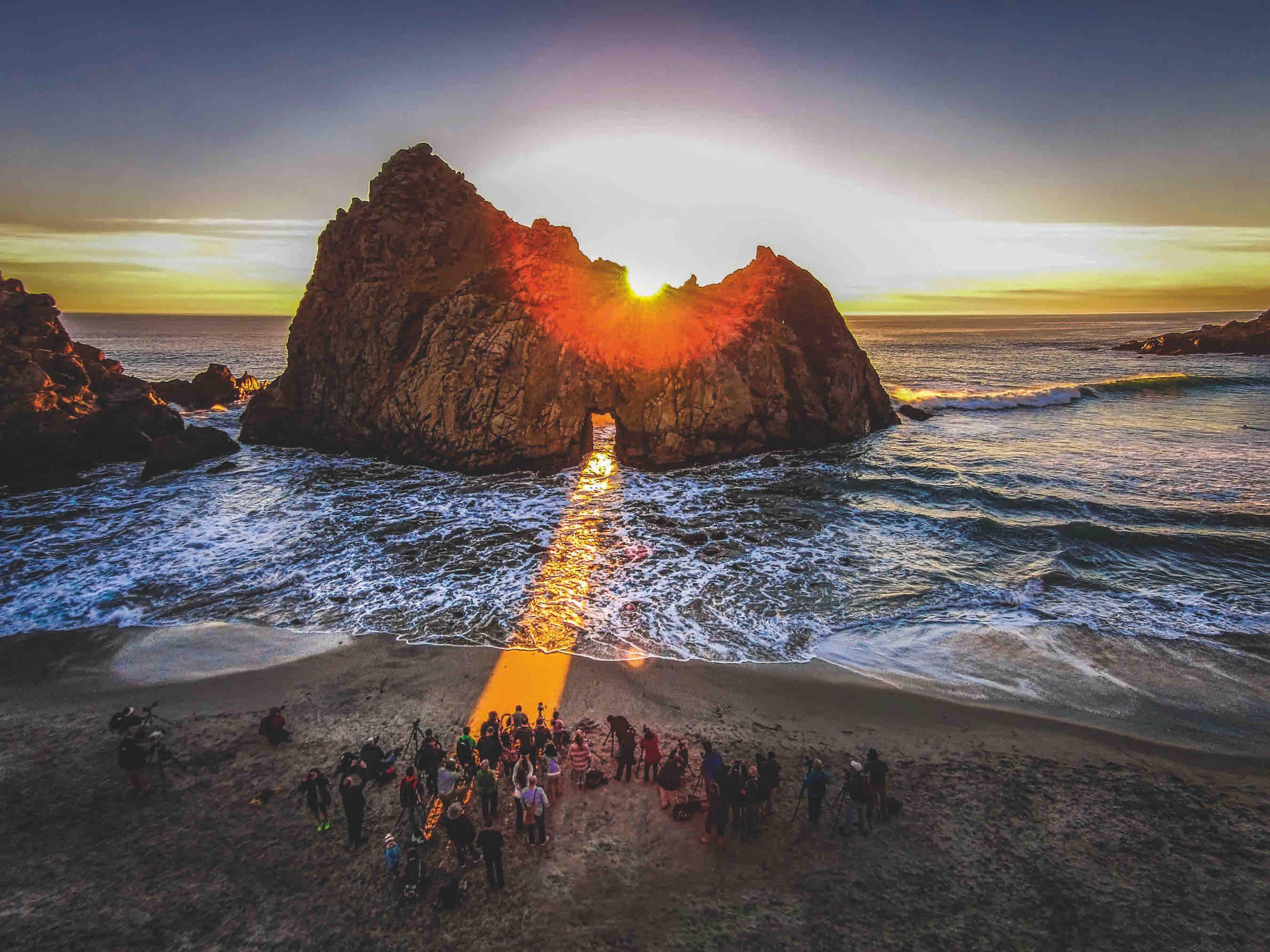 Pfeiffer Beach, Big Sur, USA By Romeo Durscher