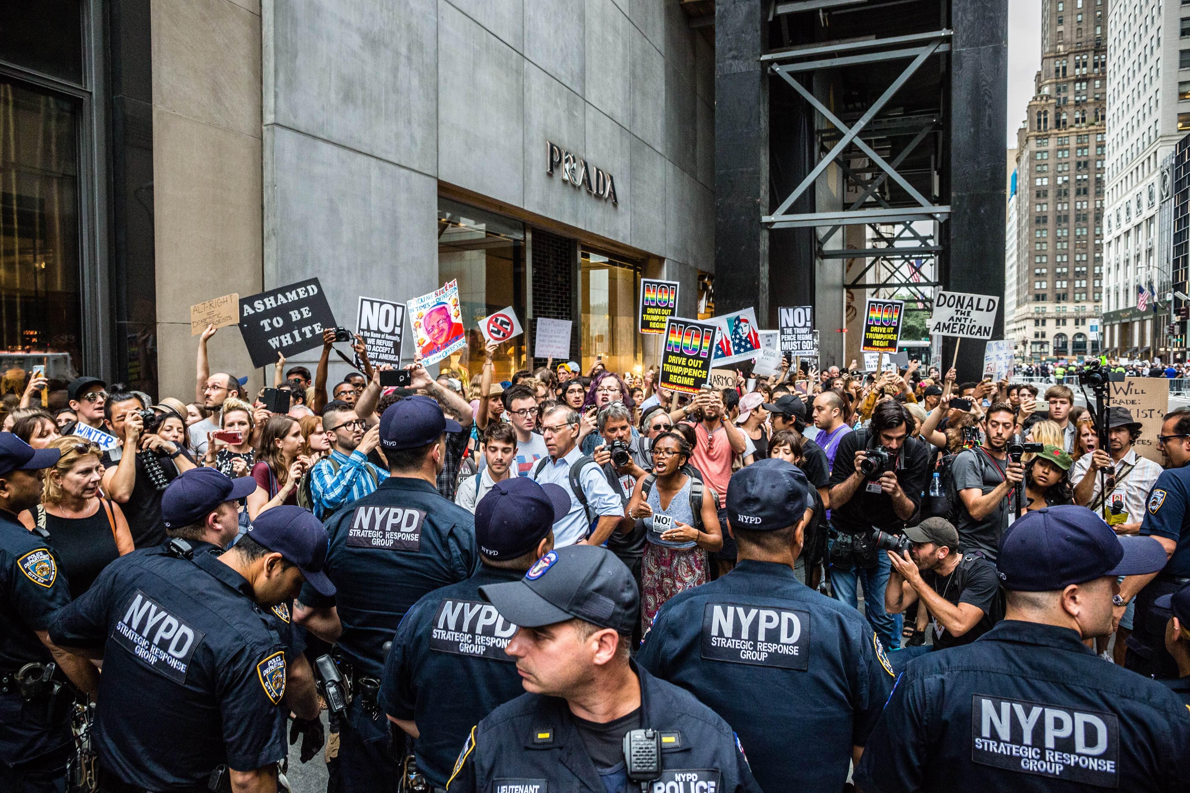 Trump_protest_FADEK_276