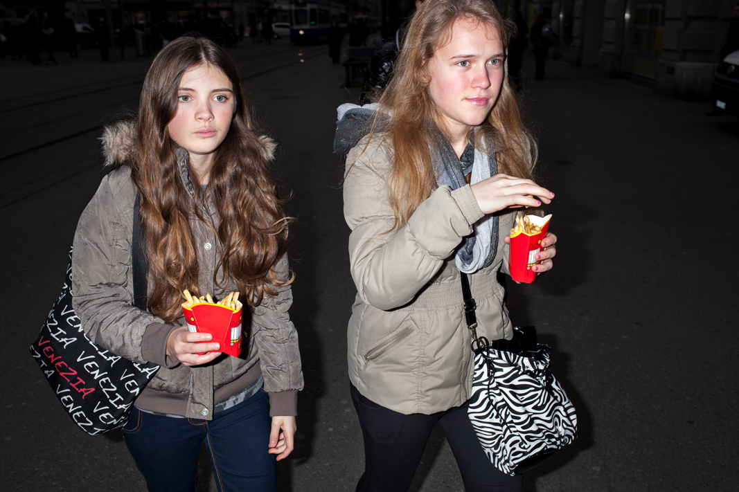 Girls-with-Fries2014