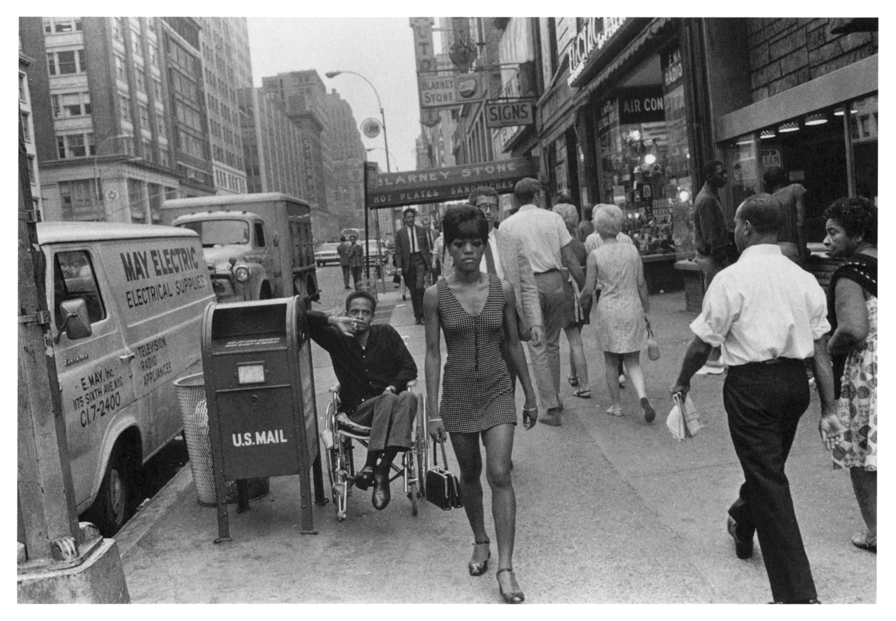 Joel Meyerowitz, New York, 1971. Courtesy of Joel Meyerowitz