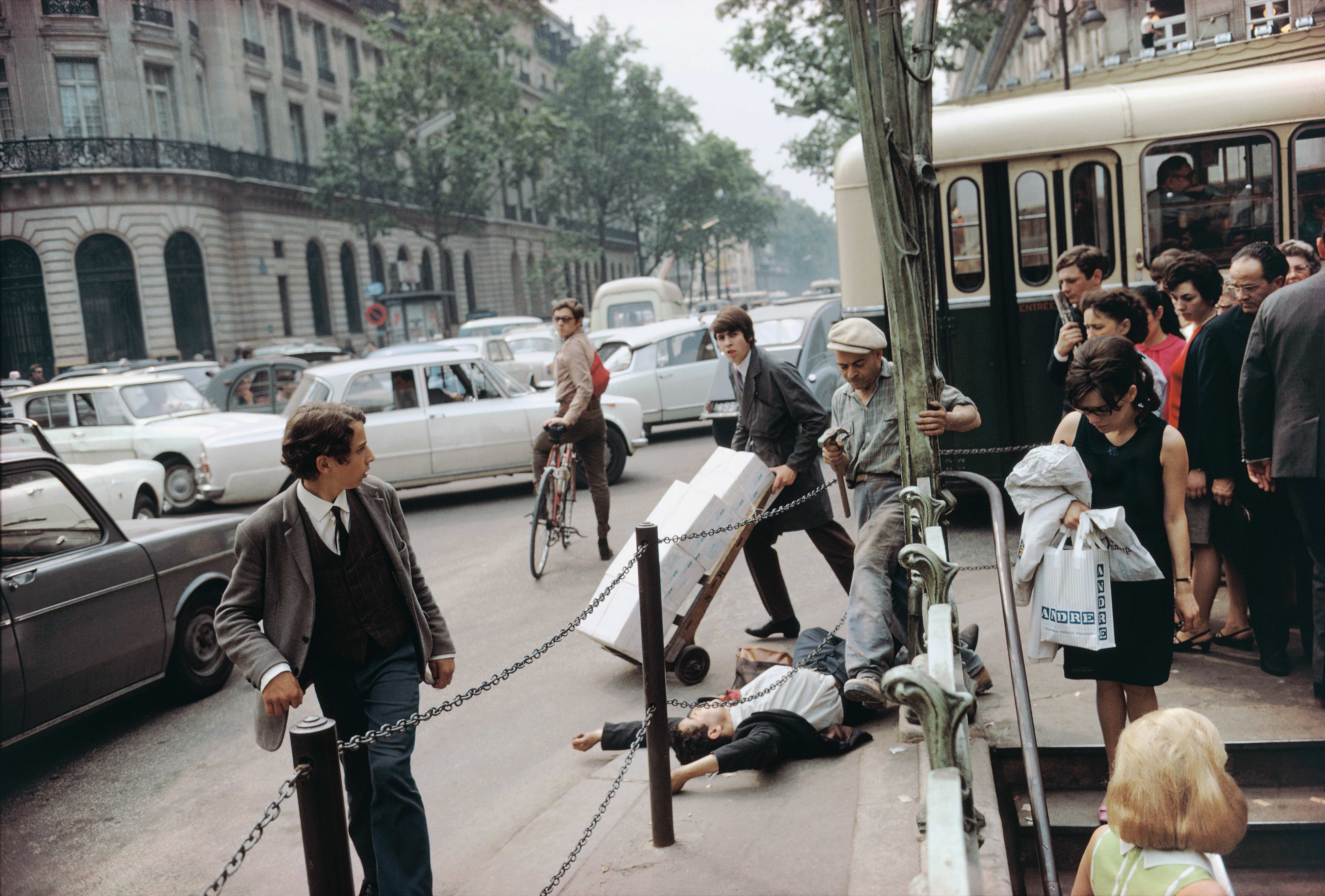 Joel Meyerowitz, Paris, 1967. Courtesy of Joel Meyerowitz