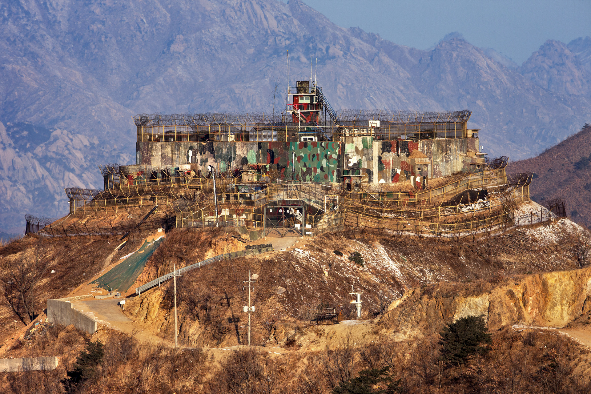 South Korean GP (Guard Post) in front of North Korea's famous Diamond Mountain (Mount Kumgang). South Korean GPs located on top of hills often closely resemble European castles.