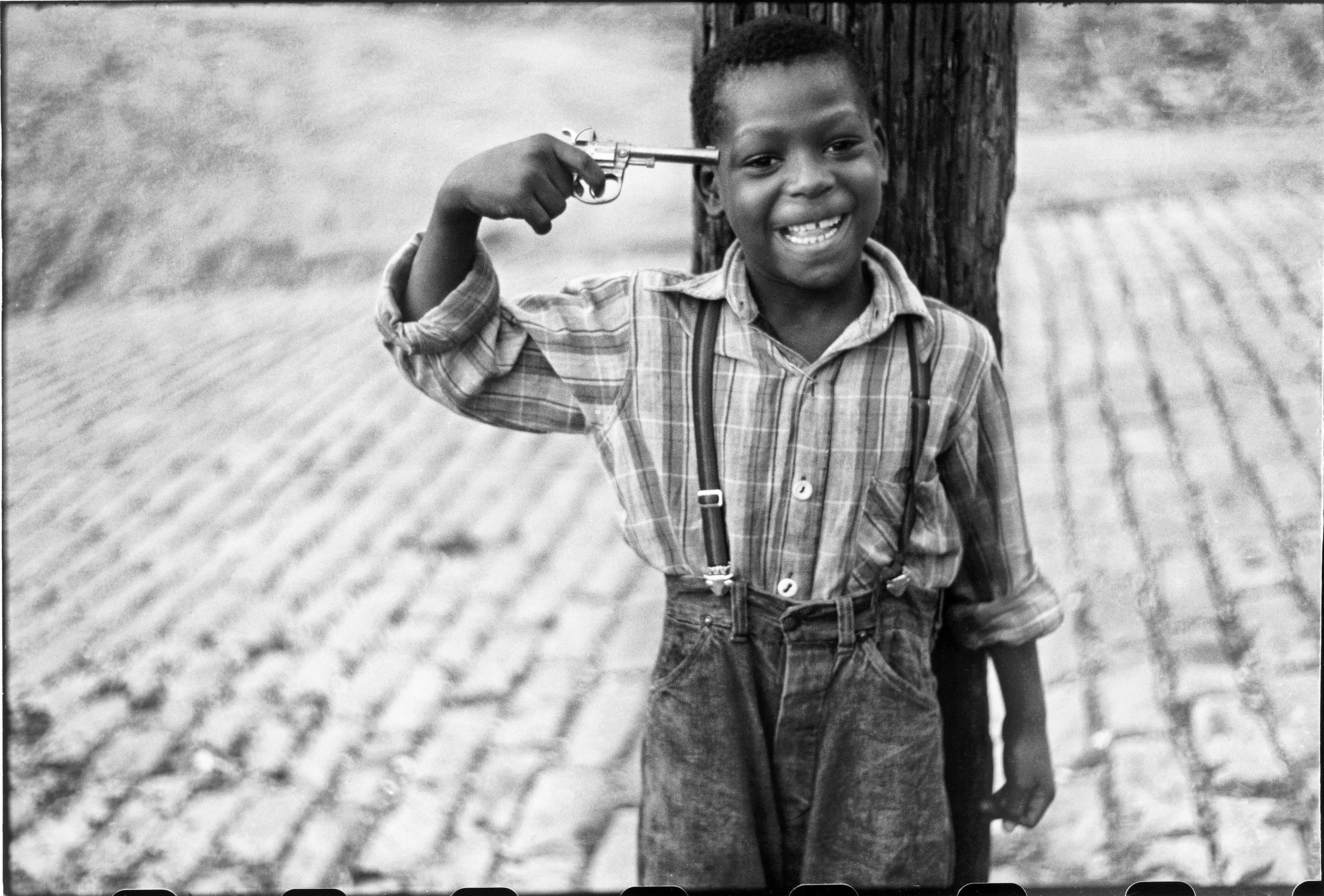 Children on Beelen Street, Pittsburgh 1950 © Elliott Erwitt / Magnum Photos