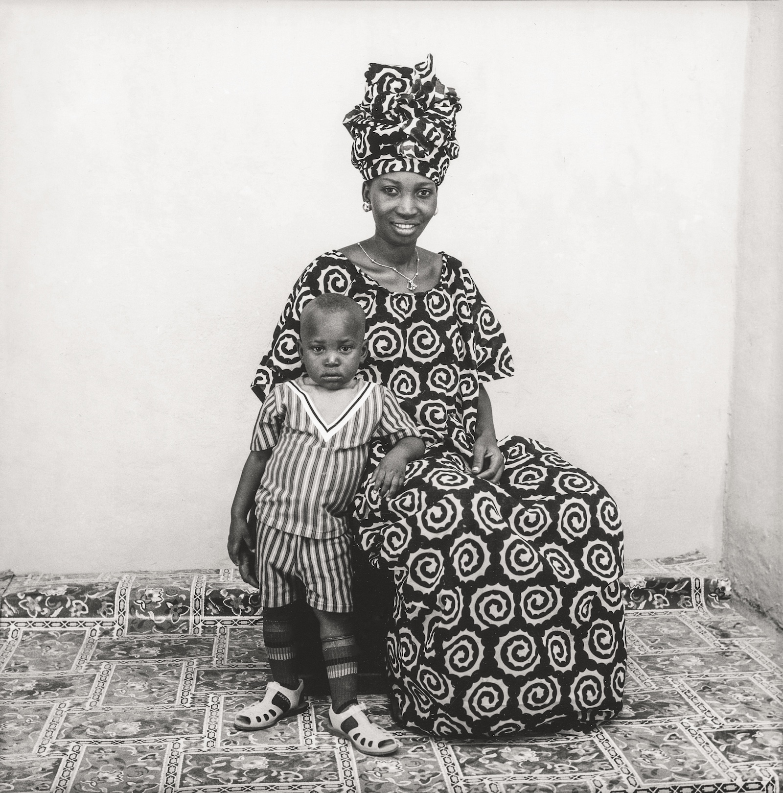 1973. Collection Fondation Cartier pour l'art contemporain, Paris © Malick Sidibé Extract from Mali Twist (Éditions Xavier Barral, Fondation Cartier pour l'art contemporain, 2017)