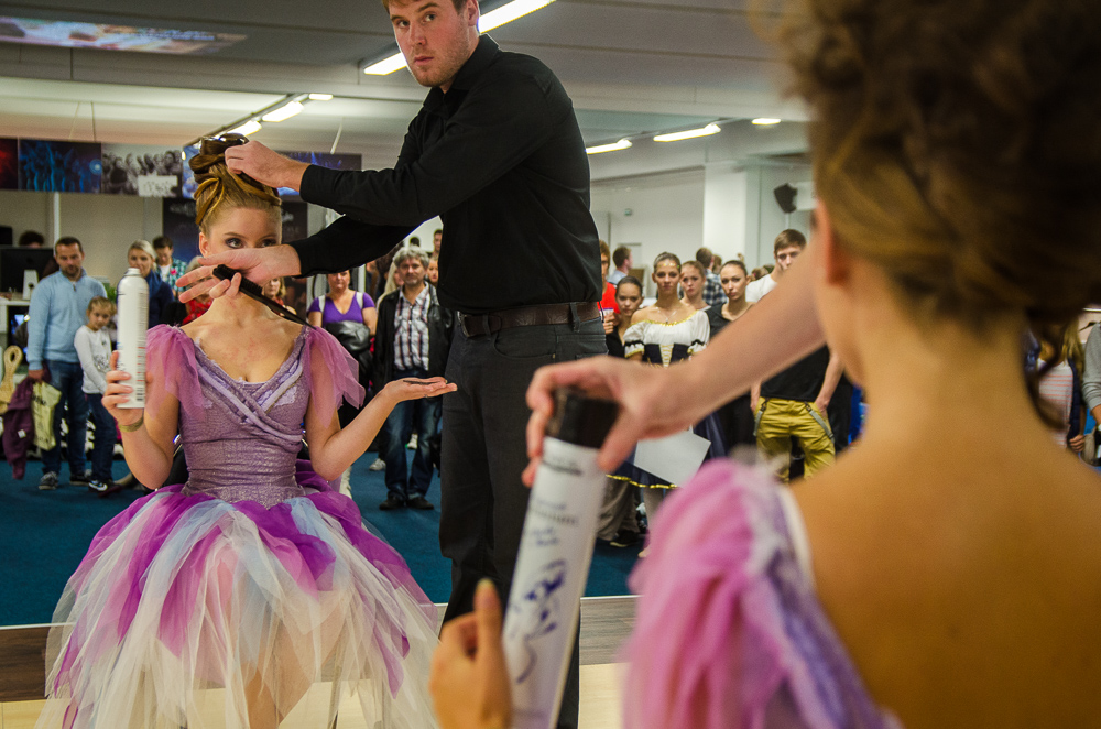 Beauty Fair - Synchronised hairdressing