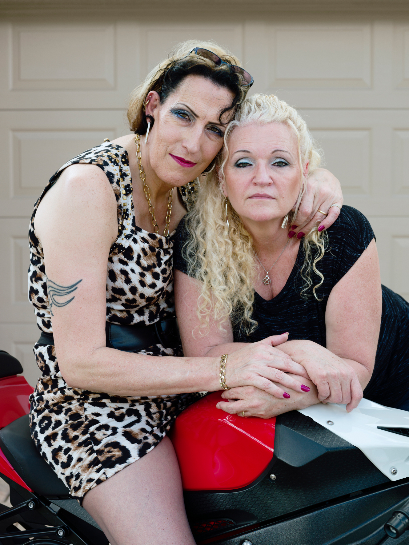 6_SueZie, 51, and Cheryl, 55, Valrico, FL, 2015 © Jess T. Dugan