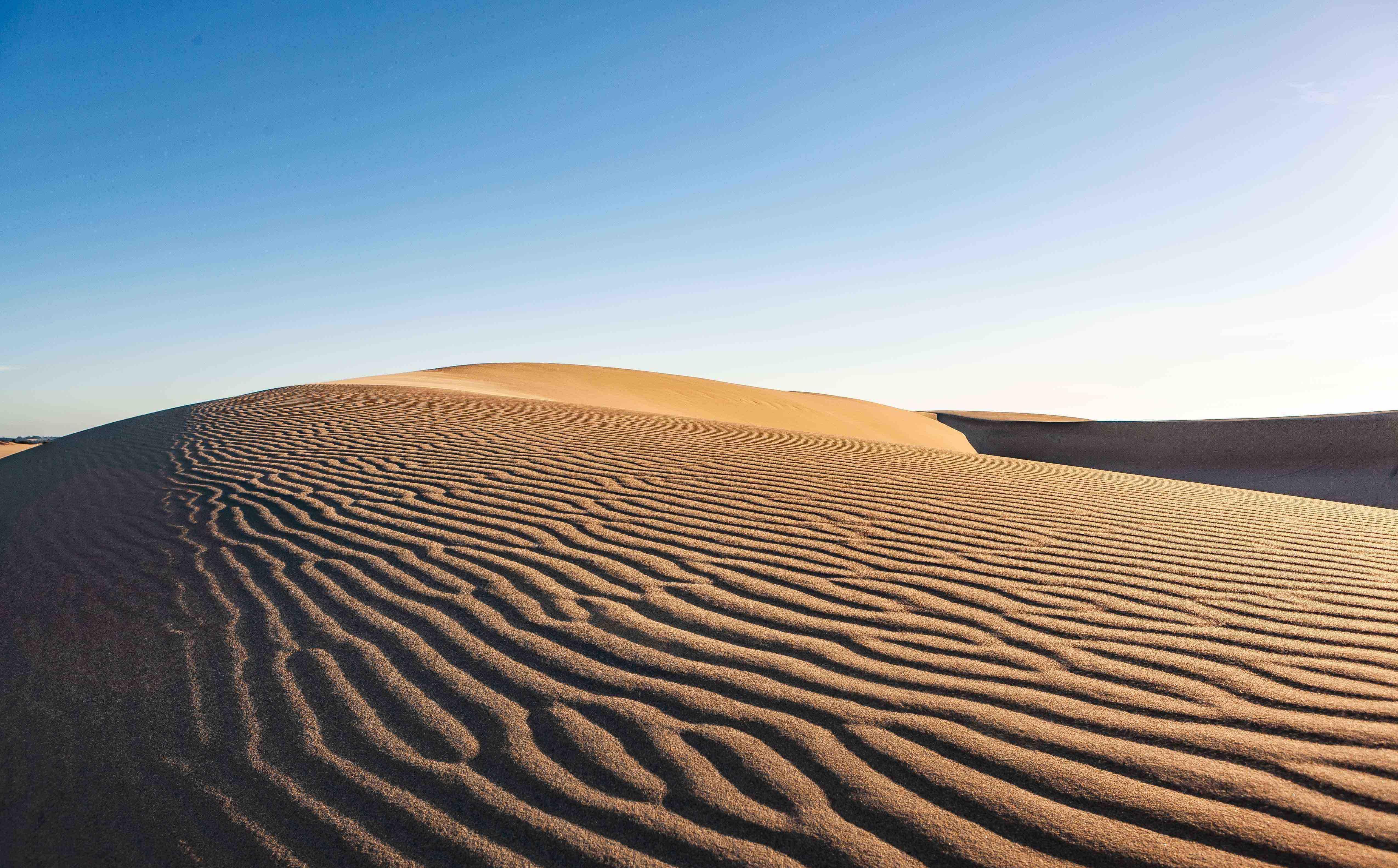 adventure-alone-arid-1123567