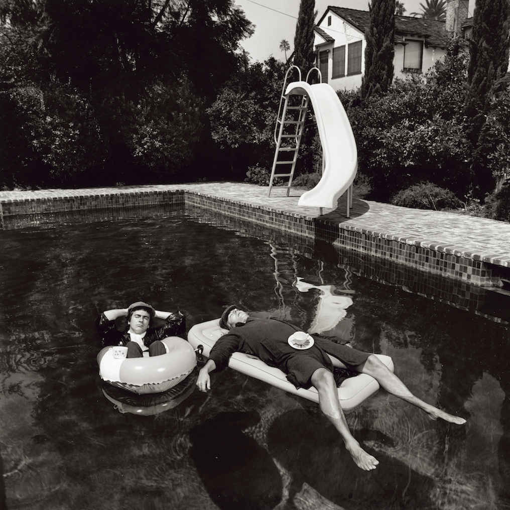 Питер Кук и Дадли Мур в Беверли-Хиллз, 1975. Фотограф Терри О'Нилл